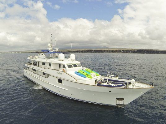 Charter yacht stella maris 38 m picchiotti up to 16 guests galapagos islands